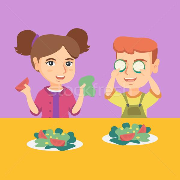 Chłopca dziewczyna gry warzyw szczęśliwy Zdjęcia stock © RAStudio