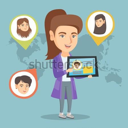 Stok fotoğraf: Kadın · tablet · sosyal · ağ · kullanıcı