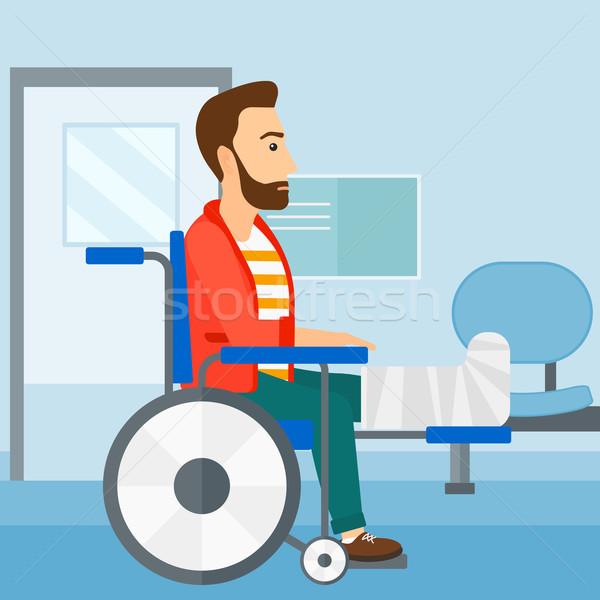 商业照片 / 矢量图: 病人 · 坐在 · 轮椅 · 时髦 · 男子 · 断腿