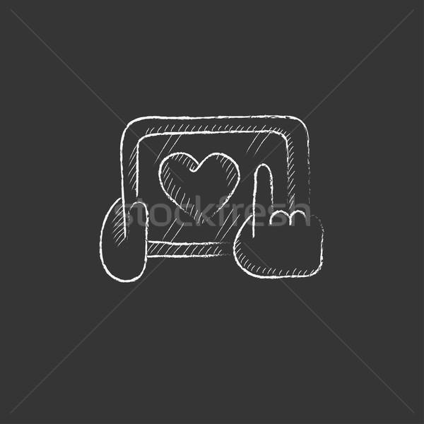 Stok fotoğraf: Eller · tablet · kalp · imzalamak