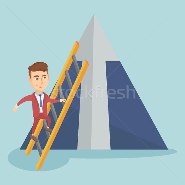 商业照片 / 矢量图: 商人 · 攀登 · 山 · 年轻 · 阶梯 · 箭头