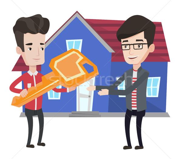 Immobilienmakler Schlüssel Eigentümer neue Haus Stock foto © RAStudio