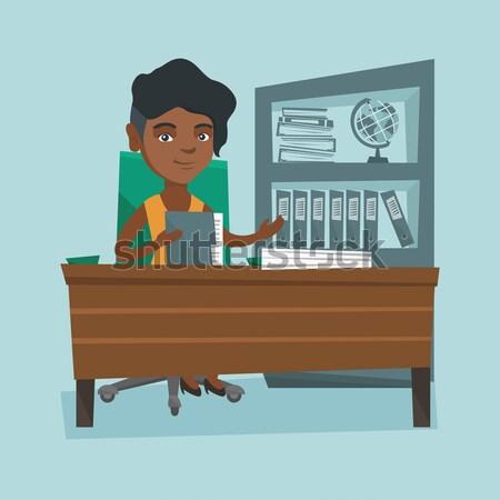 ストックフォト: ビジネスマン · ヘッド · 作業 · オフィス · 小さな · ビジネスマン