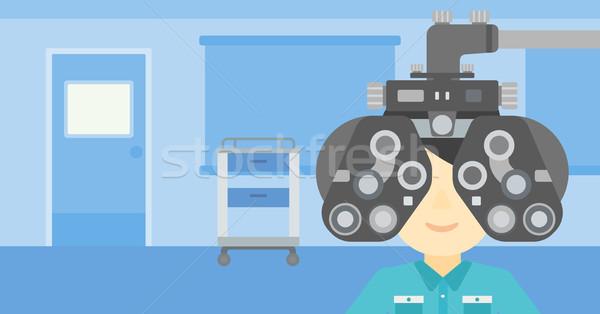Hasta göz adam optometrist tıbbi Stok fotoğraf © RAStudio