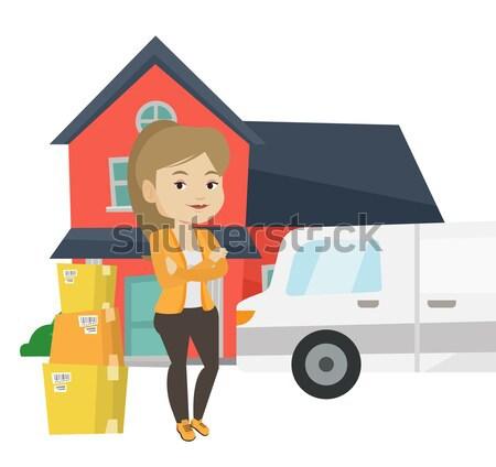 Vrouw bewegende huis asian huiseigenaar dozen Stockfoto © RAStudio