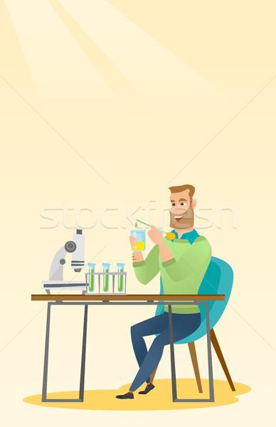 Student werken laboratorium klasse kaukasisch glimlachend Stockfoto © RAStudio
