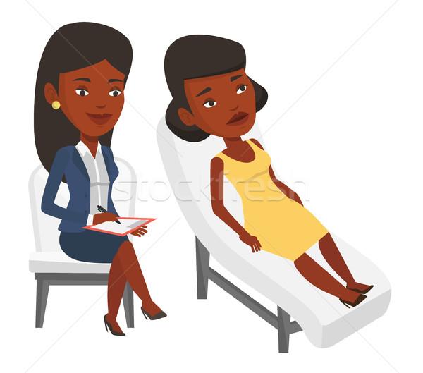 Psicologo paziente giovani african divano parlando Foto d'archivio © RAStudio