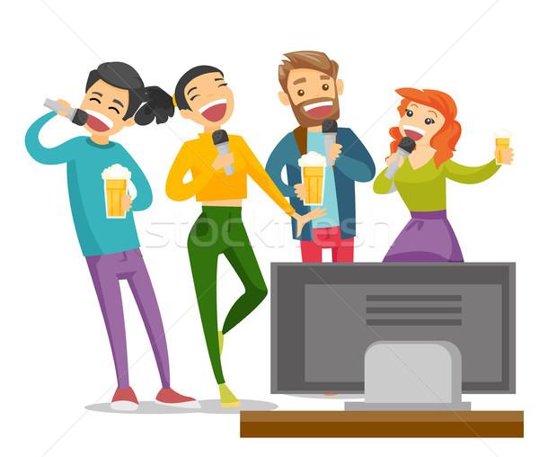 Jóvenes caucásico blanco amigos cantando karaoke Foto stock © RAStudio