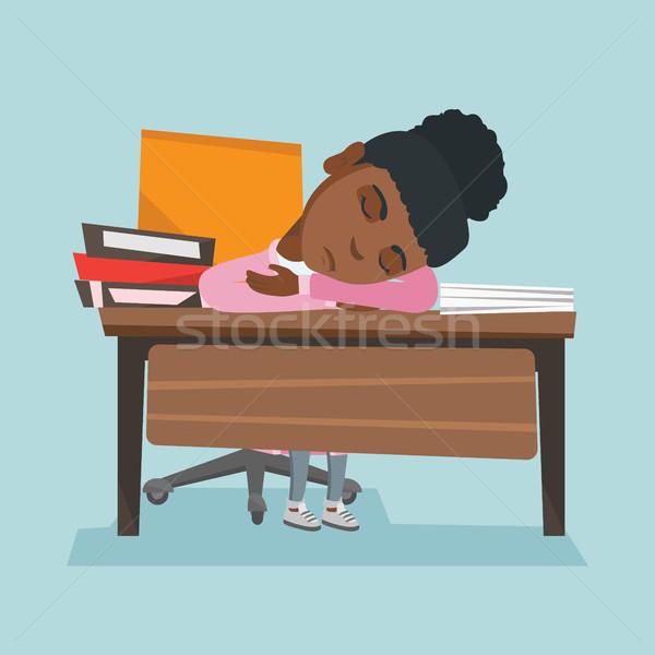 Сток-фото: африканских · студент · спальный · столе · книгах · молодые