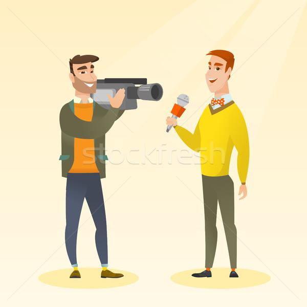 Telewizja reporter operatora zawodowych mikrofon Zdjęcia stock © RAStudio