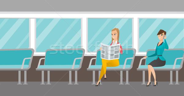 Foto stock: Caucasiano · mulheres · transporte · público · mulher · telefone · móvel