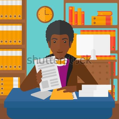 Ingatlanügynök aláírás szerződés női ül munkahely Stock fotó © RAStudio