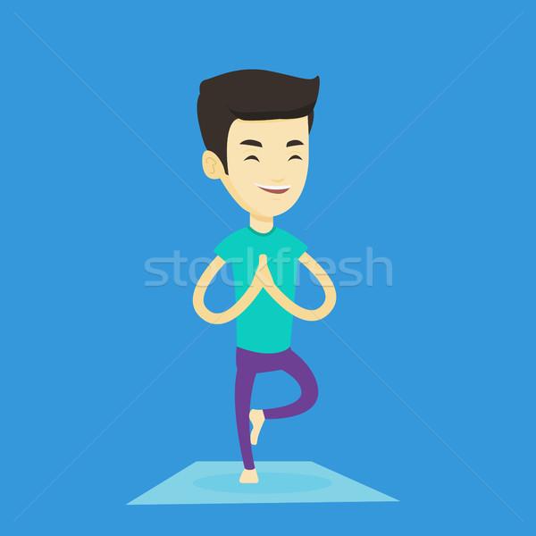 Jonge man oefenen yoga boom pose asian Stockfoto © RAStudio