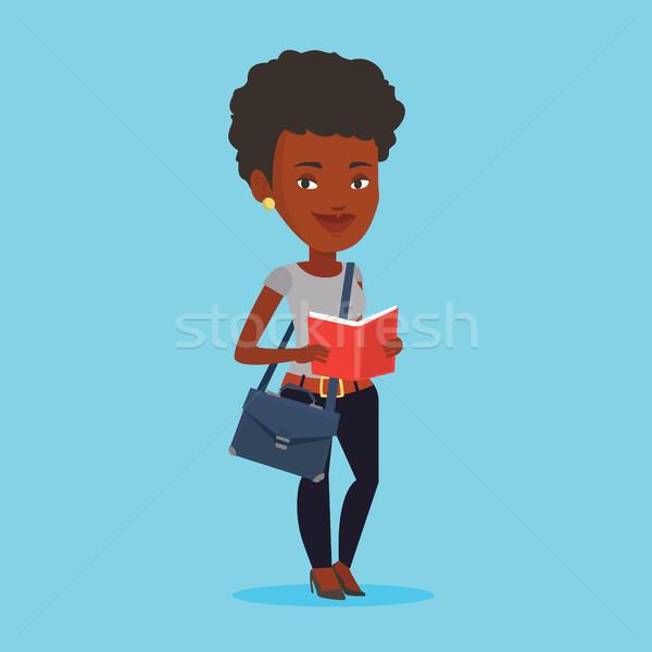 Diák olvas könyv mosolyog derűs női Stock fotó © RAStudio