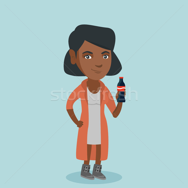 Jovem mulher potável soda fresco Foto stock © RAStudio