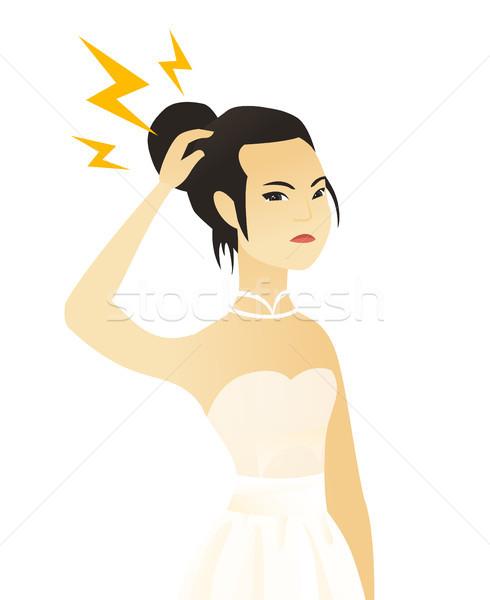Jonge asian verloofde bliksem hoofd witte jurk Stockfoto © RAStudio