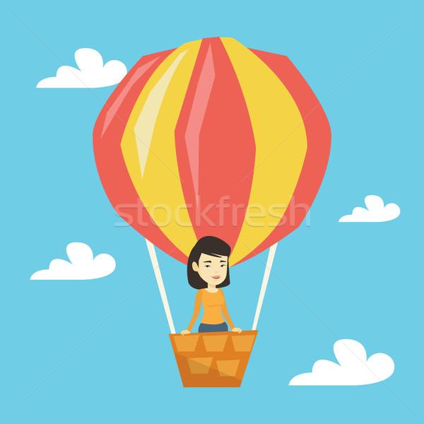 Stockfoto: Asian · vrouw · vliegen · luchtballon · permanente · mand