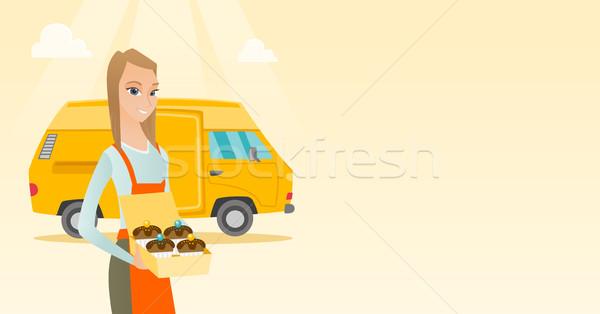 Baker tortas caucásico entrega mujer Foto stock © RAStudio