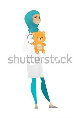 Kinderarts arts teddybeer kaukasisch permanente Stockfoto © RAStudio