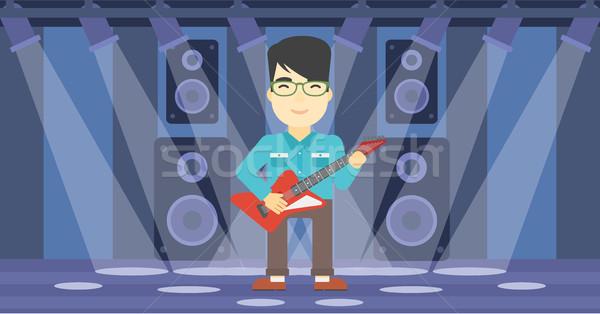 Muzikant spelen elektrische gitaar asian jonge fase Stockfoto © RAStudio