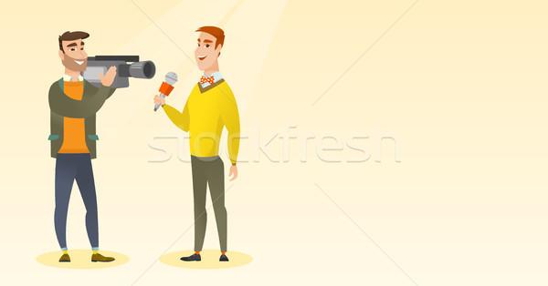 Telewizja reporter operatora mikrofon Zdjęcia stock © RAStudio