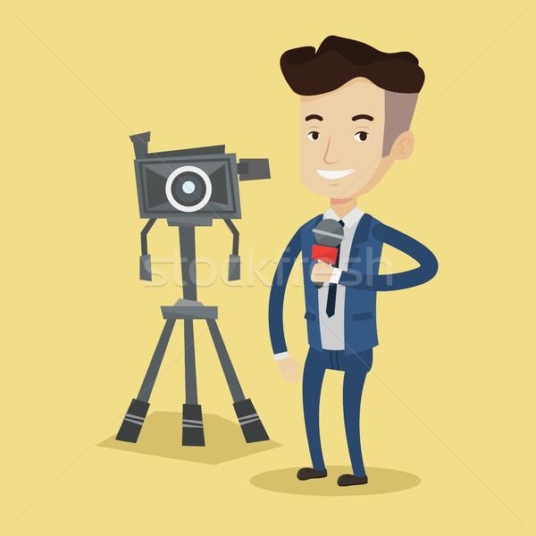 Telewizja reporter mikrofon kamery stałego młodych Zdjęcia stock © RAStudio