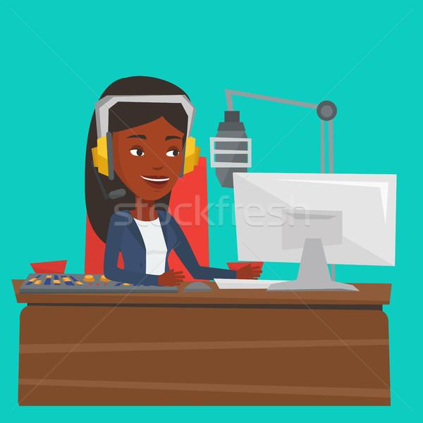 ストックフォト: 女性 · 作業 · ラジオ · 駅 · マイク