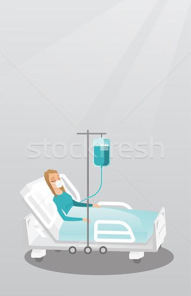 患者 病院用ベッド 酸素マスク 白人 女性 医療処置 ストックフォト © RAStudio