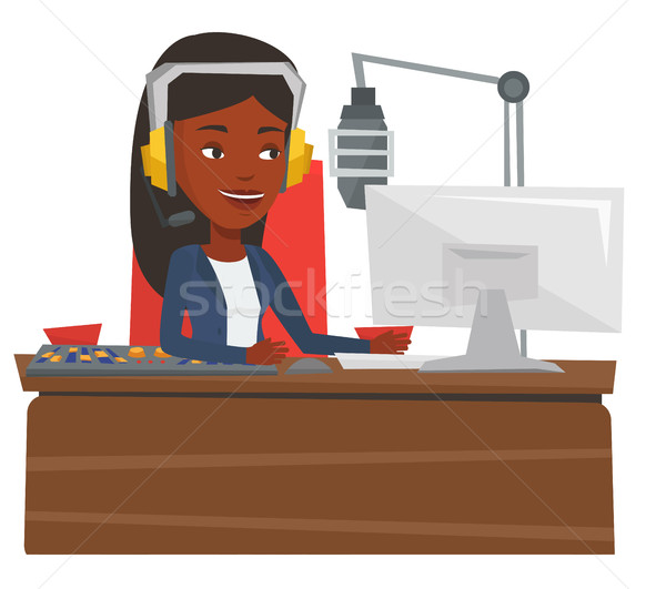 ストックフォト: 女性 · 作業 · ラジオ · ヘッド · 駅 · マイク