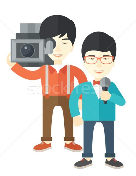 Tv jelentés ázsiai kareraman riporter vektor Stock fotó © RAStudio