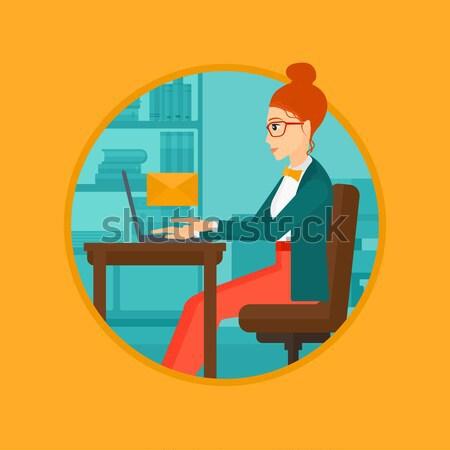 Mujer de negocios de trabajo portátil oficina Foto stock © RAStudio