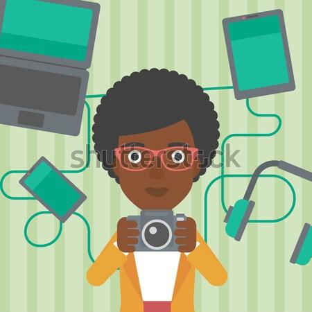 Jonge man gadgets asian foto digitale camera Stockfoto © RAStudio