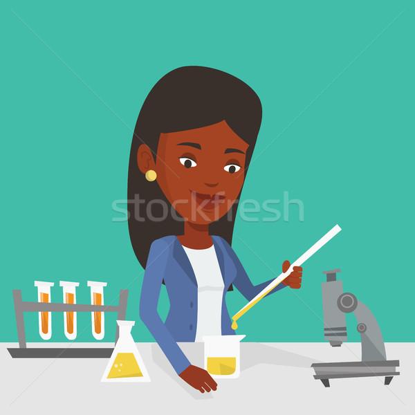 Estudante trabalhando laboratório classe fora Foto stock © RAStudio