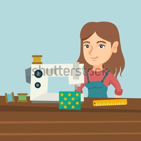 Máquina de costura oficina asiático trabalhando pano fábrica Foto stock © RAStudio