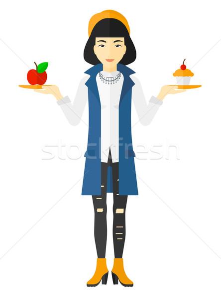 Kadın elma kek Asya eller seçim Stok fotoğraf © RAStudio