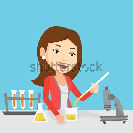 Student werken laboratorium klasse asian glimlachend Stockfoto © RAStudio
