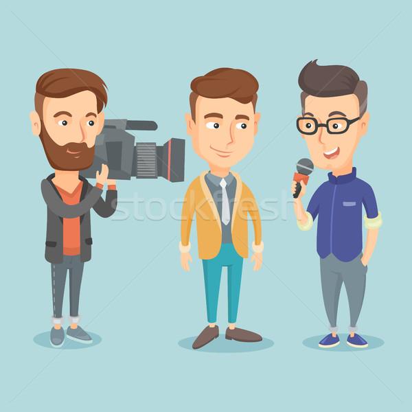 Telewizja wywiad zawodowych reporter mikrofon Zdjęcia stock © RAStudio