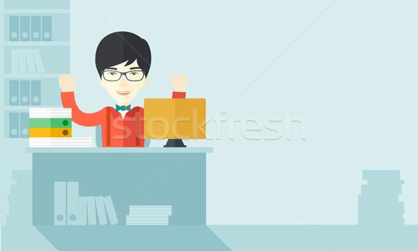 Feliz chinês empresário tanto mãos sessão Foto stock © RAStudio