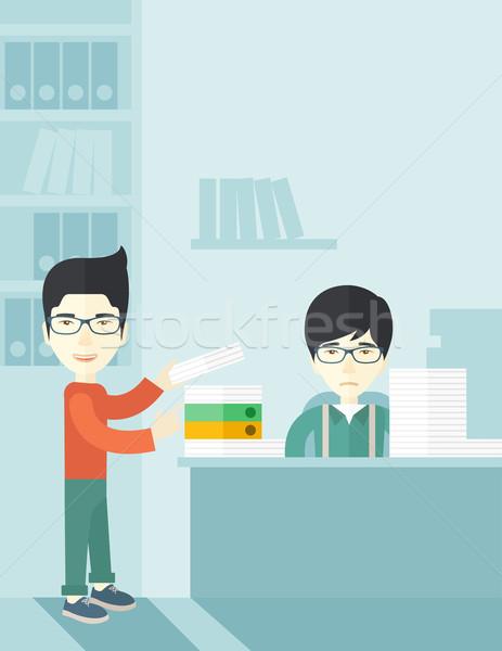 Dwa asian biuro wewnątrz człowiek stałego Zdjęcia stock © RAStudio