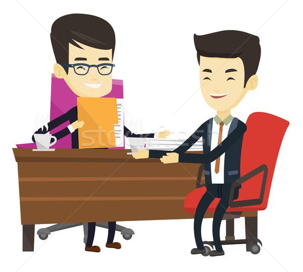 Stockfoto: Twee · zakenlieden · zakelijke · bijeenkomst · asian · mannen · praten