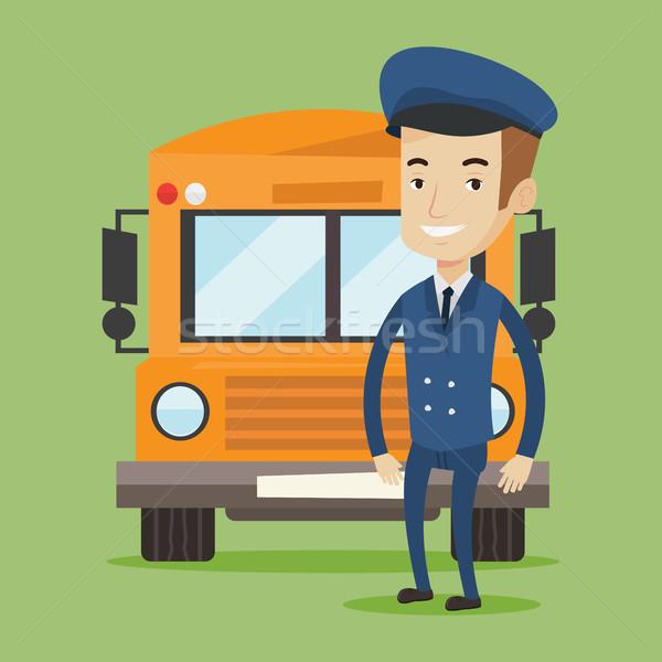 Foto stock: ônibus · escolar · motorista · caucasiano · em · pé · amarelo · ônibus