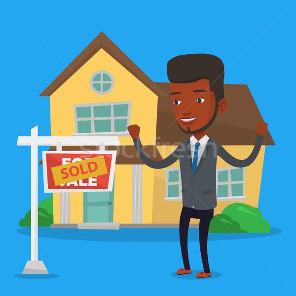 Agent immobilier signature contrat excité permanent Photo stock © RAStudio
