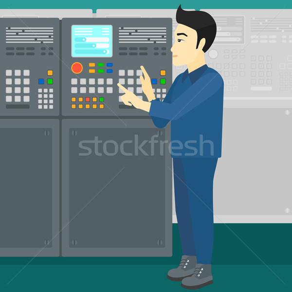 Mérnök áll irányítópanel ázsiai férfi dolgozik Stock fotó © RAStudio