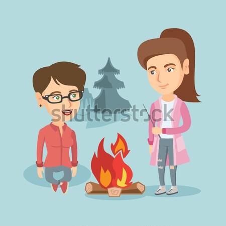 2 友達 座って 周りに たき火 キャンプ ストックフォト © RAStudio