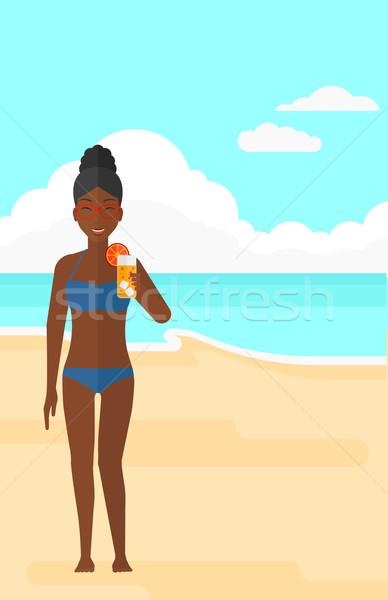 Turísticos cóctel playa mujer mano Foto stock © RAStudio