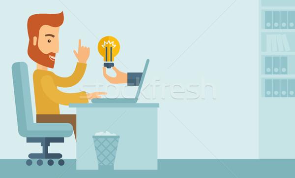Biznesmen pracy szczęśliwy broda posiedzenia biurko Zdjęcia stock © RAStudio