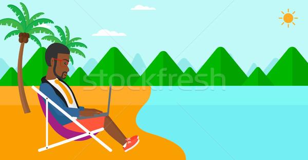 Empresario sesión salón portátil playa de trabajo Foto stock © RAStudio