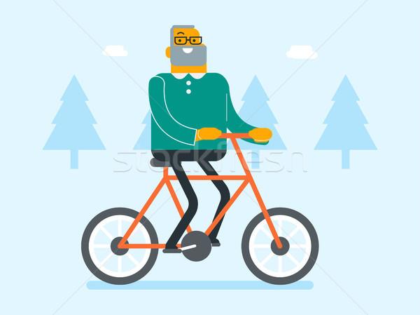 Aposentados caucasiano homem branco equitação bicicleta parque Foto stock © RAStudio