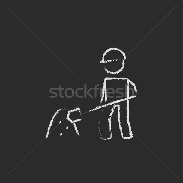 Człowiek łopata piasku ikona kredy Zdjęcia stock © RAStudio