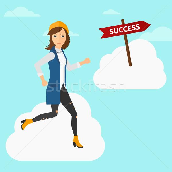 Foto stock: Mujer · de · negocios · movimiento · éxito · mujer · ejecutando · cielo